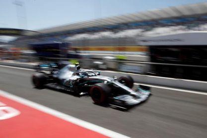 Mercedes sigue al frente en los terceros entrenamientos libres