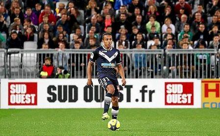 Koundé es quien suele sacar el balón jugado desde atrás en el Girondins.