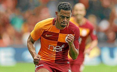 Fernando celebra un gol con el Galatasaray.