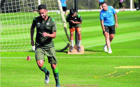Ryad Boudebouz, entrenándose en Montecastillo.