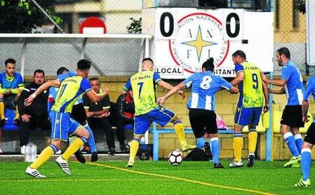 Lance del Rociera-Bellavista del pasado curso, partido que se volverá a jugar en Primera Andaluza.