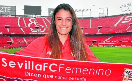 Después de nueve temporadas en el club nervionense y de ser la capitana del primer equipo del Sevilla Femenino, Marta Carrasco jugará la próxima temporada en el Granada.
