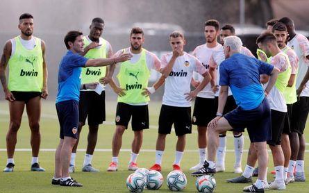 Marcelino se lleva a Suiza a veintiocho jugadores para mini concentración