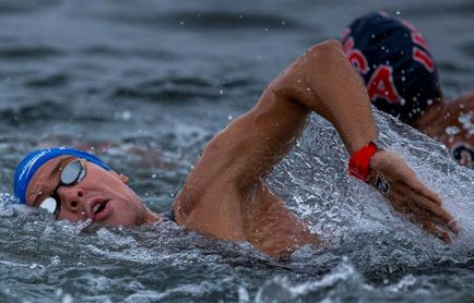 El nadador Alberto Martínez, séptimo en la final de aguas abiertas 25 km