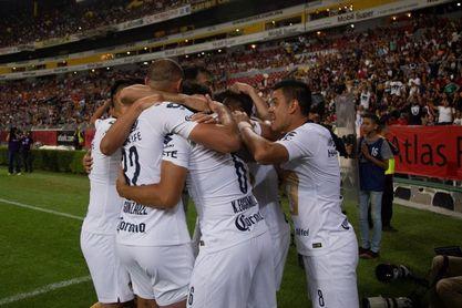 Los Pumas de Michel vencen 0-2 al San Luis y le estropean el debut en Primera