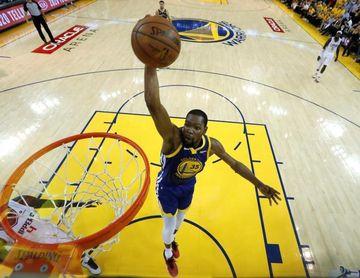 Durant defiende a los Warriors y rechaza que tuviesen algo que ver con su lesión