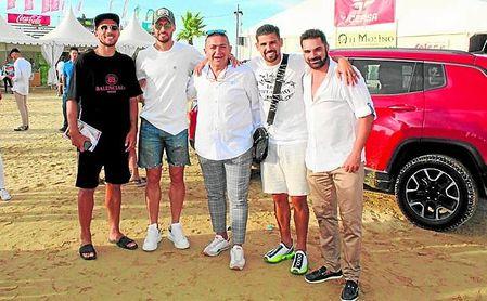 Nolito se llevó el domingo a Sanlúcar a Carriço y Sergi Gómez para disfrutar de las carreras de caballos.