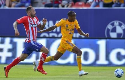 El San Luis empata con el campeón Tigres, pese a jugar con un hombre menos