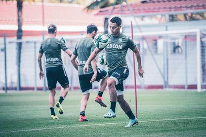 El AS Monaco presentó a Lecomte, Ben Yedder, Aguilar, Mendy y Slimani de una tacada.