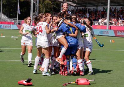 España vuelve al podio 12 años después al superar a Inglaterra en shoot-outs