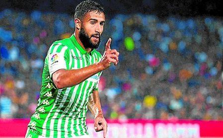 Fekir celebra su gol al Barcelona en el Camp Nou.
