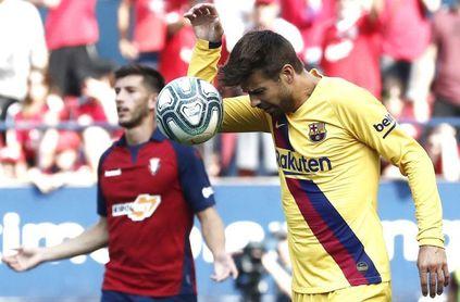 """Piqué: """"No es penalti, salto de forma natural"""""""