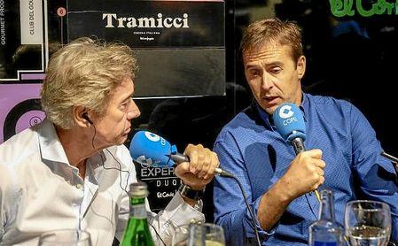 Julen Lopetegui, junto a Rafael Almansa, en la tertulia de Deportes Cope Sevilla.