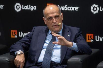 """Tebas: """"Tener a Mourinho en LaLiga, me da igual el equipo, sería importante"""""""