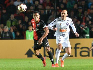 2-1. Colón logra una esforzada ventaja, aunque mínima, ante Atlético Mineiro