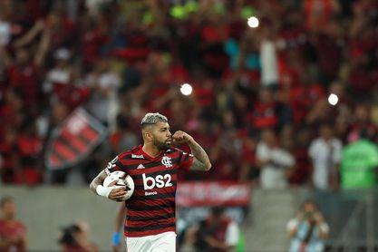 El líder Flamengo visita a un aporreado Cruzeiro en el inicio de la segunda vuelta