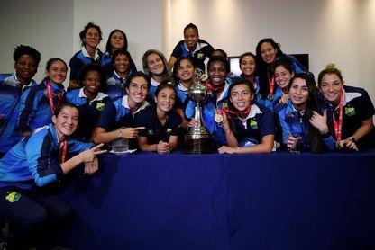 Las actuales campeonas de la Libertadores debutan frente a Peñarol