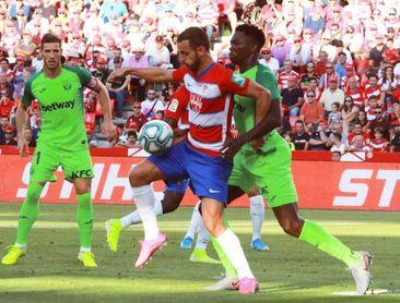 Soldado sufre un problema muscular y es duda para la visita al Bernabéu