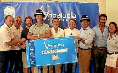 El Circuito Andalucía Golf Tour cierra un exitoso primer año donando 4.500 € al proyecto El Sillón Azul.