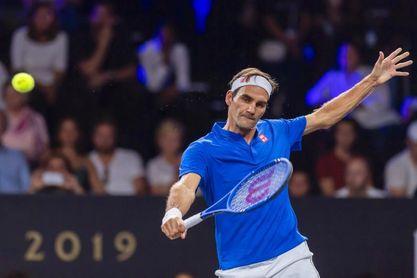 Federer gana al belga Goffin y pasa a cuartos en Shanghái