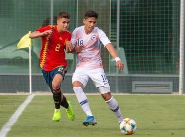 2-1. Nico Serrano guía a España a la victoria frente a Chile con dos goles