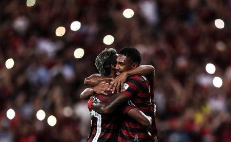 Un Flamengo diezmado gana y se mantiene líder del fútbol en Brasil, con ocho puntos de ventaja