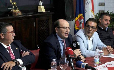 José Castro, en la peña sevillista Aruncitana de Morón.