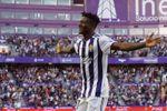 2-0. El Real Valladolid impone su dominio ante un Eibar bloqueado