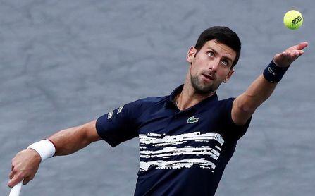 Djokovic mantiene la presión sobre Nadal y jugará su sexta final en París