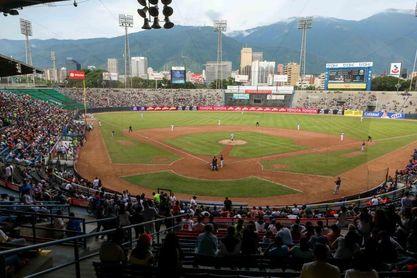 El béisbol venezolano comienza bajo la sombra del veto de las Grandes Ligas