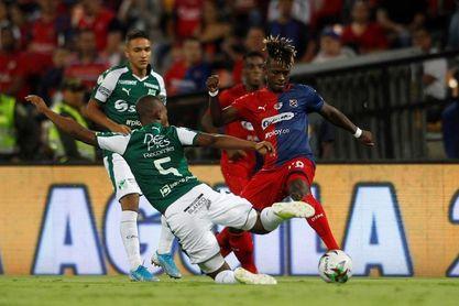 2-1. Los argentinos Arregui y Cano dan al Medellín el título de la Copa Colombia
