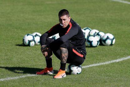 El chileno Nicolás Castillo se pierde el amistoso ante Perú por lesión