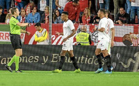 Koundé y Diego Carlos, dos estilos que se complementan.