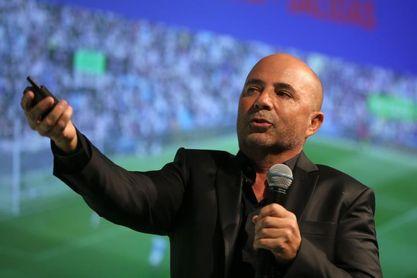 Santos niega que Sampaoli se manifestó contra visita de Bolsonaro a estadio