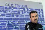 El Tenerife destituye a su entrenador López Garai tras el empate con el Cádiz