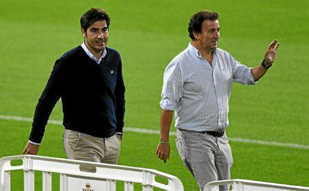 López Catalán, junto al presidente Ángel Haro.