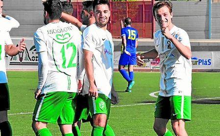Pablo festeja uno de los dos goles anotados ayer ante la Selección de Asturias.