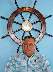 Exilio logra la suspensión de un reconocimiento en Miami a comodoro cubano