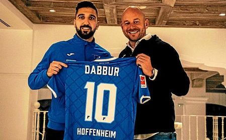 Schreuder, técnico del Hoffenheim, junto a Dabbur.
