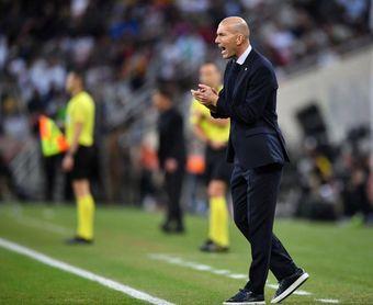 """Zidane: """"Valverde hizo bien; tenía que hacer esa falta"""""""