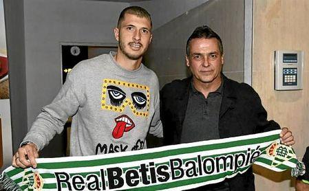 "Alexis Trujillo presenta a Guido: ""Polivalente, buena salida de balón y un gran golpeo"""