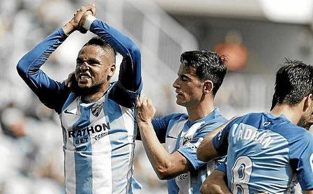 En-Nesyri celebra un gol en su etapa en el Málaga.
