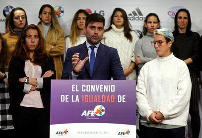 Aganzo demanda explicaciones ante la falta de firma del convenio femenino