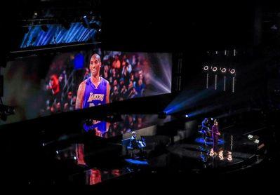 Rinden homenaje a Bryant antes del inicio del Partido de las Estrellas de la NBA