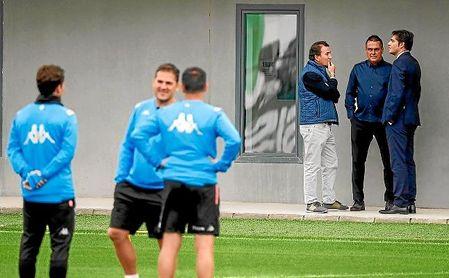Respaldo público del Betis a Rubi y su cuerpo técnico.