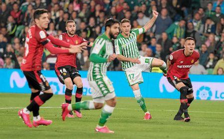 Joaquín, en el momento de marcar el momentáneo 3-2 ante el Mallorca.