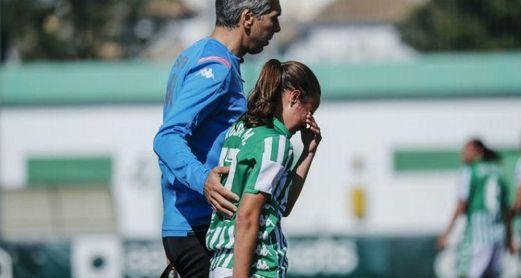 La centrocampista bética se retiró lesionada en la pasada jornada ante el Athletic Club.