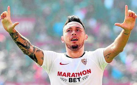 Lucas Ocampos ha celebrado doce goles con la camiseta sevillista, diez de ellos en LaLiga y dos en la Copa del Rey, además de firmar también tres asistencias.