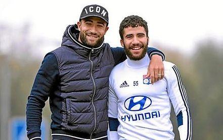 Los hermanos Nabil y Yassin Fekir, propiedad del Betis.