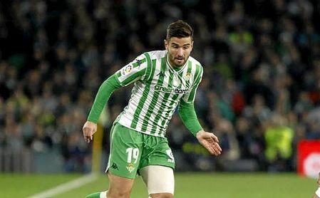 El Alavés tantea al lateral bético Antonio Barragán